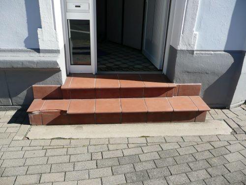 Fliesenarbeiten - Treppe - vorher